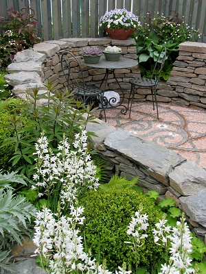 Creating a Naturally Simple Wellness Garden